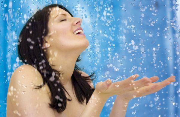 Как начать обливаться холодной водой