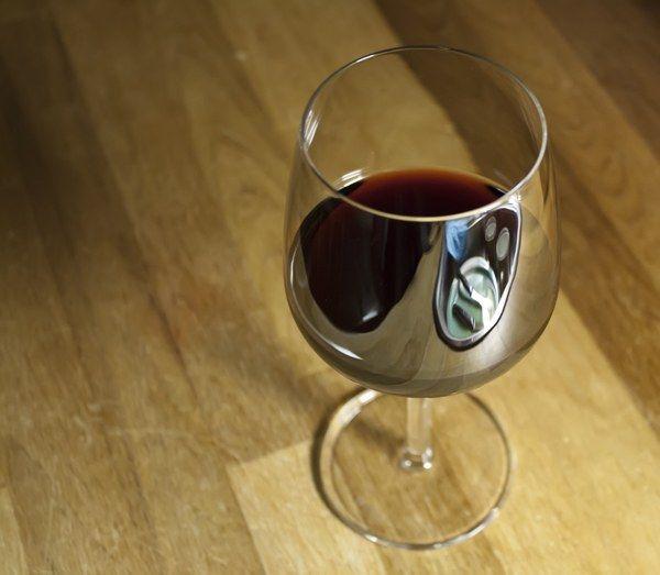 Как отличить хорошее вино