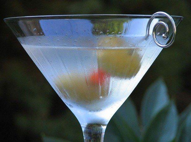 Как пить мартини драй