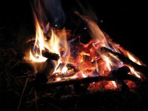 Как развести огонь без спичек?