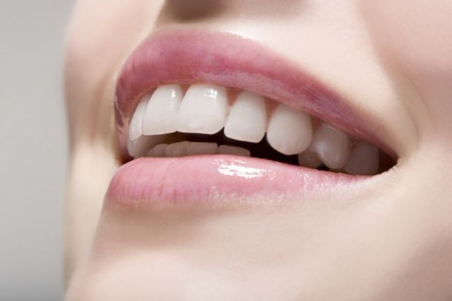 Как снять налет с зубов