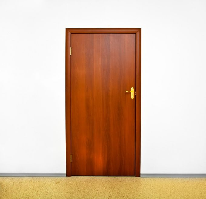 Как установить самостоятельно дверь