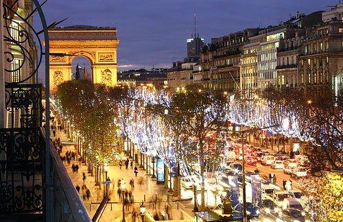 Как встретить новый год в париже