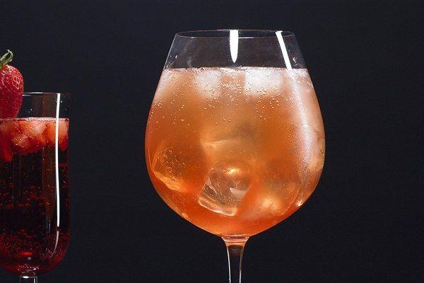 Какие коктейли можно приготовить на основе кампари