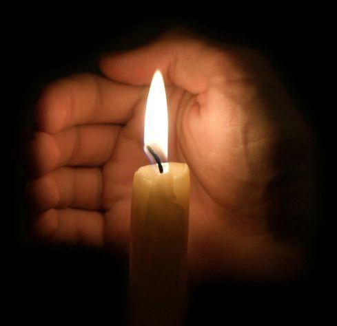 Как освятить свечу
