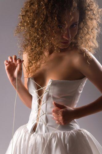Корсет - это старинный предмет женской одежды