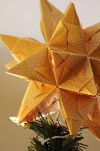 В старину вифлеемская звезда украшала рождественскую ель в каждом доме