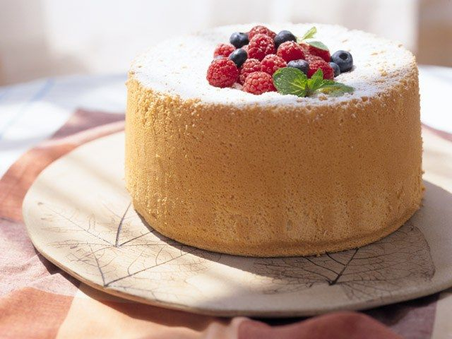 Как украшать торт фруктами