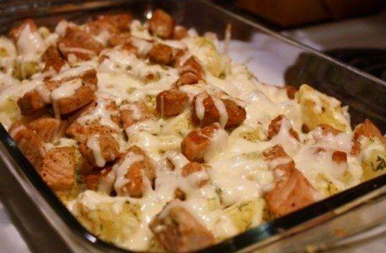 Аппетитная свинина с картошкой в духовке